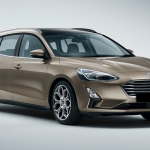 Ford Focus station schuin naar links