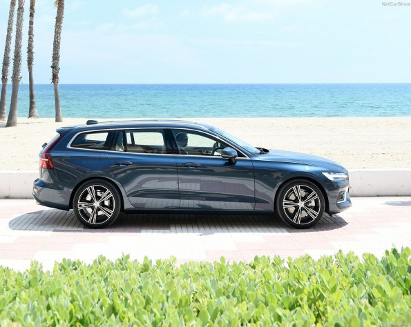 Volvo V60 zijkant blauw