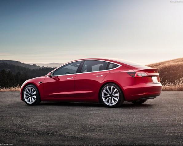 Tesla Model 3 leasen zijkant