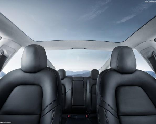 Tesla Model 3 leasen Vooraanzicht van de stoelen