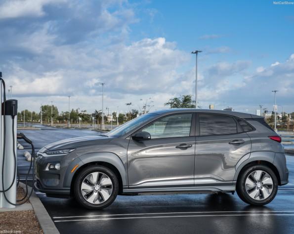 Hyundai Kona electric lease foto van de zijkant