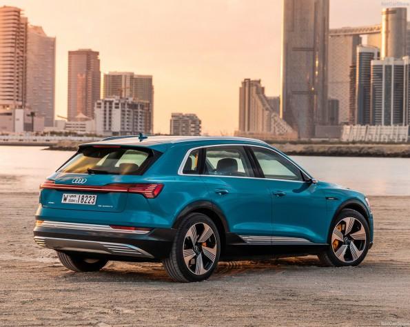 Nieuwe Audi e-tron aan het water