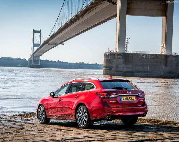 Mazda 6 zijkant schuin