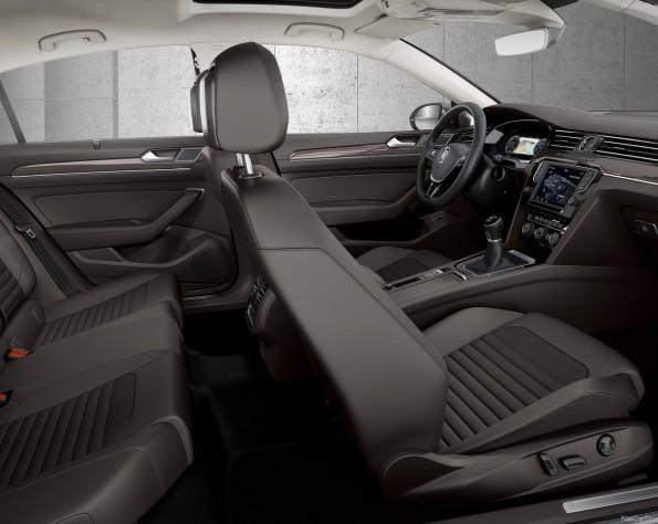 Volkswagen Passat interieur zijkant