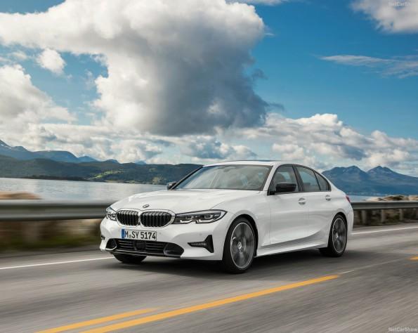 BMW 320iA voorkant schuin