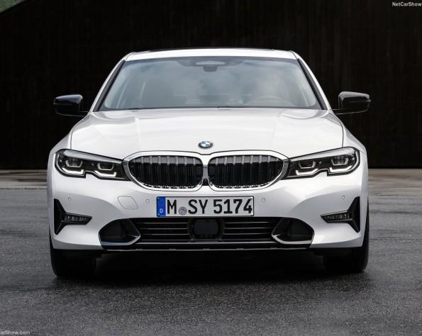 BMW 320iA voorkant