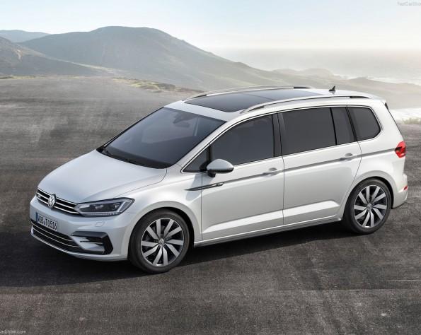 Volkswagen Touran zijkant naar links
