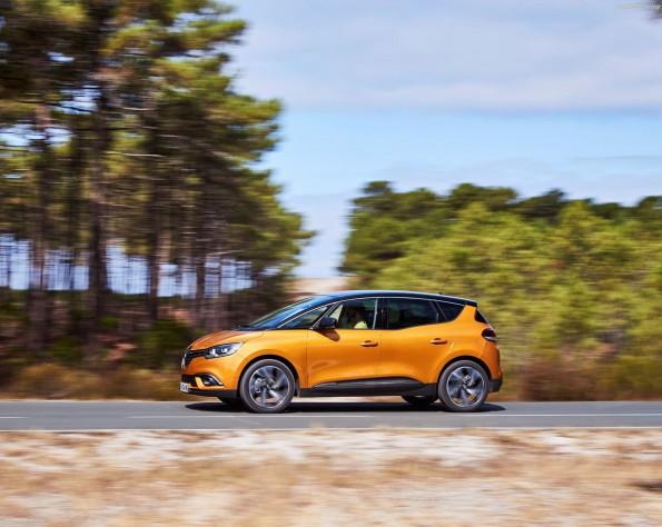 Renault Scenic zijkant