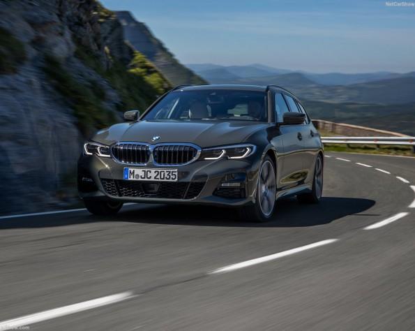 BMW 3-serie touring voorkant schuin rijdend