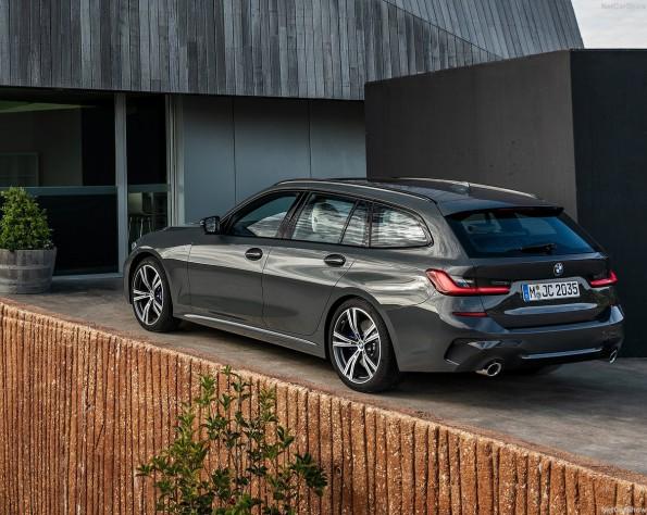 BMW 3-serie touring achterkant stilstaand