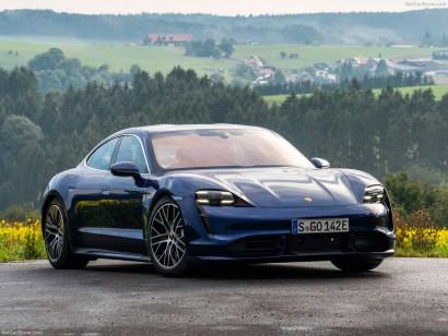 Porsche Taycan vooraanzicht