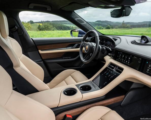 Porsche Taycan interieur voor