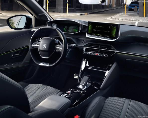 Peugeot e-208 interieur voor