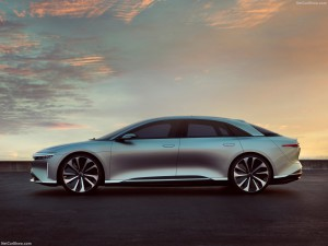 Lucid Air zijkant