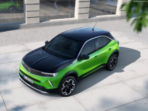Opel Mokka-e voorkant schuin