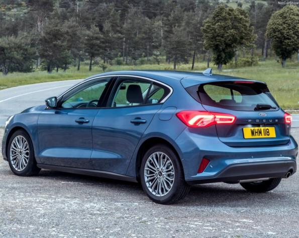 Ford Focus Hatchback lease achterkant schuin
