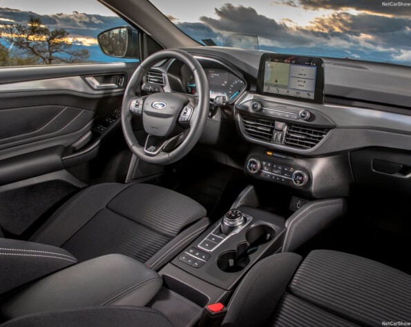 Ford Focus Hatchback lease interieur voor