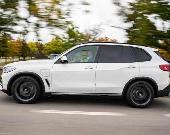 Zijkant BMW X5