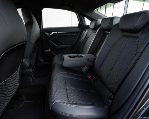 Audi A3 Limousine lease achterbank