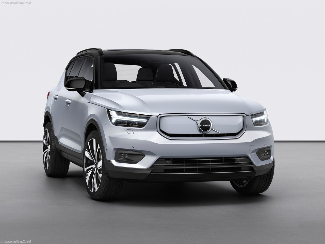 Volvo XC40 recharge lease voorkant