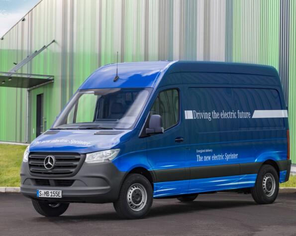 Elektrische Mercedes eSprinter voorkant links