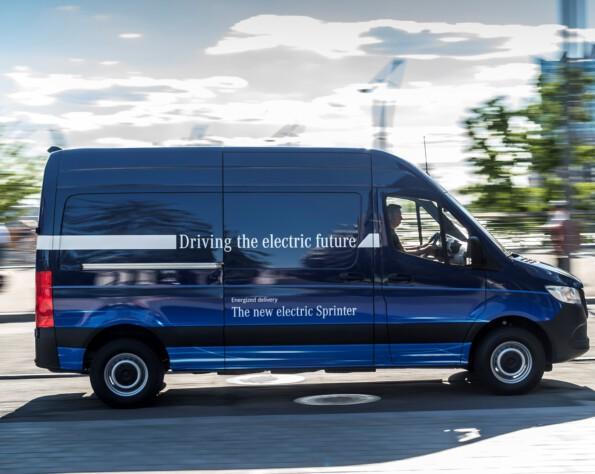 Elektrische Mercedes eSprinter zijkant