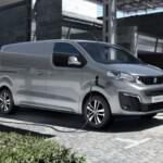 Peugeot e-Expert lease aan het laden aan de laadpaal