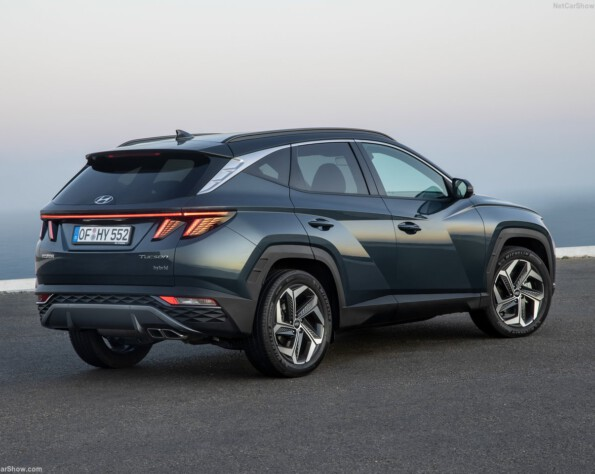 Hyundai tucson lease achterkant schuin