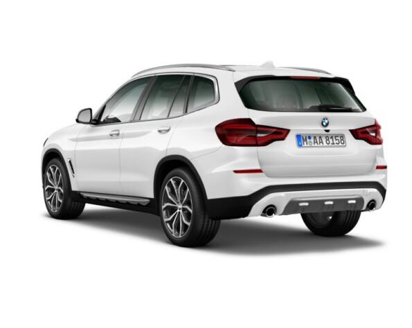 BMW X3 achterkant schuin